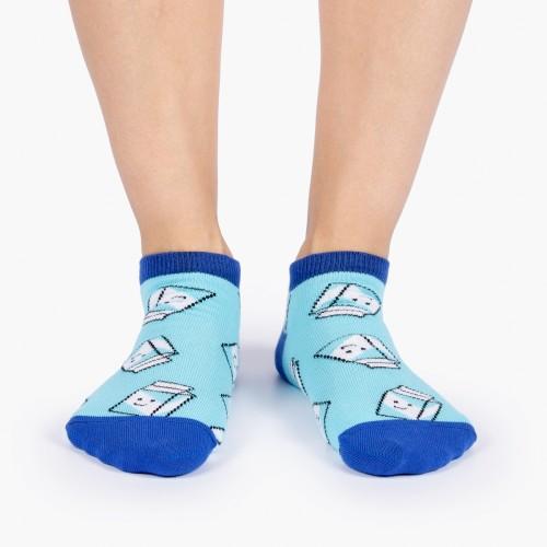 Дизайнерские носки с молоком
