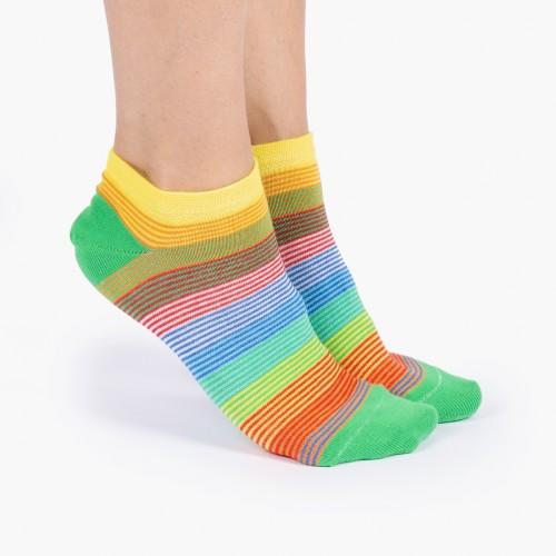 Цветные носки в тонкую полоску